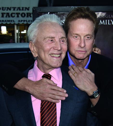 Kirk Douglas gab ihm als lebenslanges Stigma den eigenen Vornamen mit. Doch statt auf ewig Sohn zu bleiben, schwenkte Michael auf die Überholspur - und heimste zweimal den von Kirk so ersehnten Oscar ein.